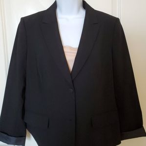 Classic two-button blazer!